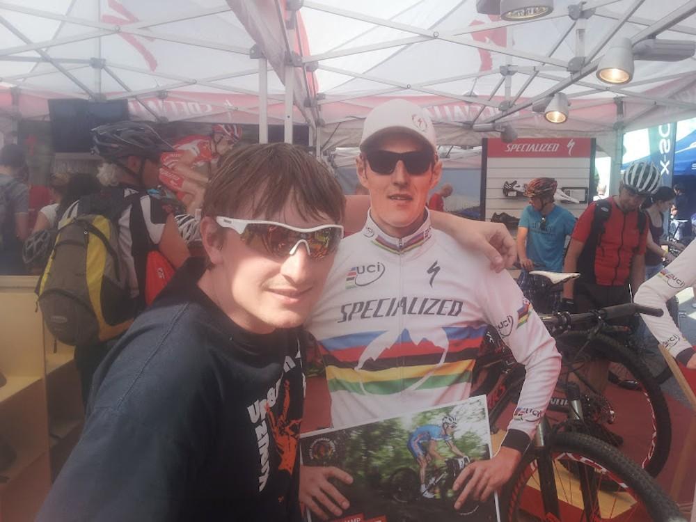 Foto s Jardou...Co je na něm divného?